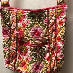 Vera Bradley purse with adjustable strap!